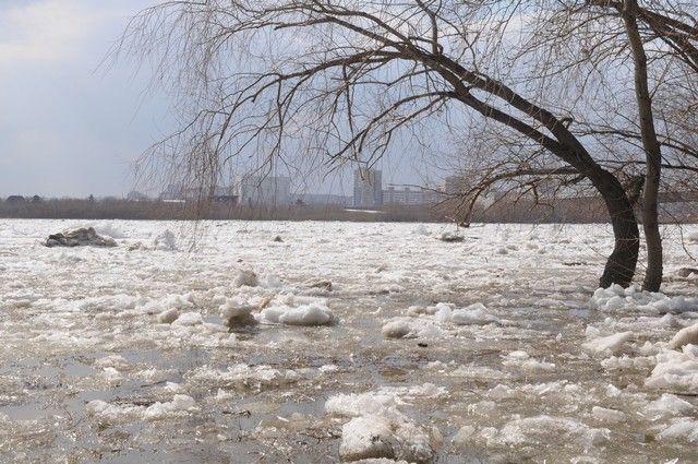 На Иртыше произошло вскрытие льда.