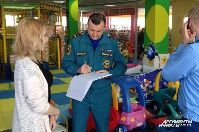 В Нижегородской области выявили 23 опасных торговых центра.