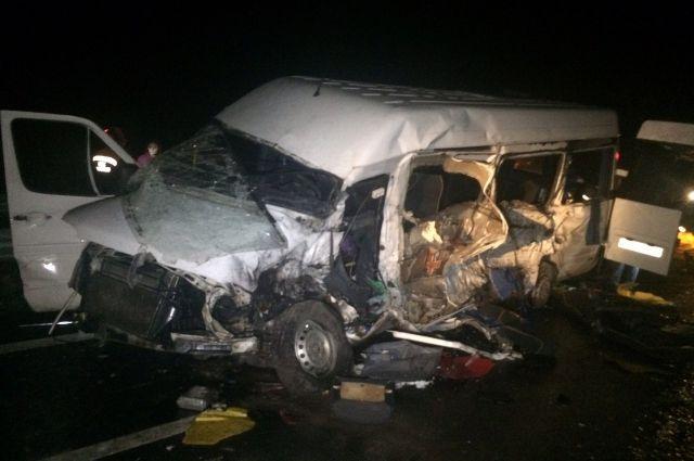 В этой аварии погибли 6 человек. Еще 7 получили серьезные травмы.