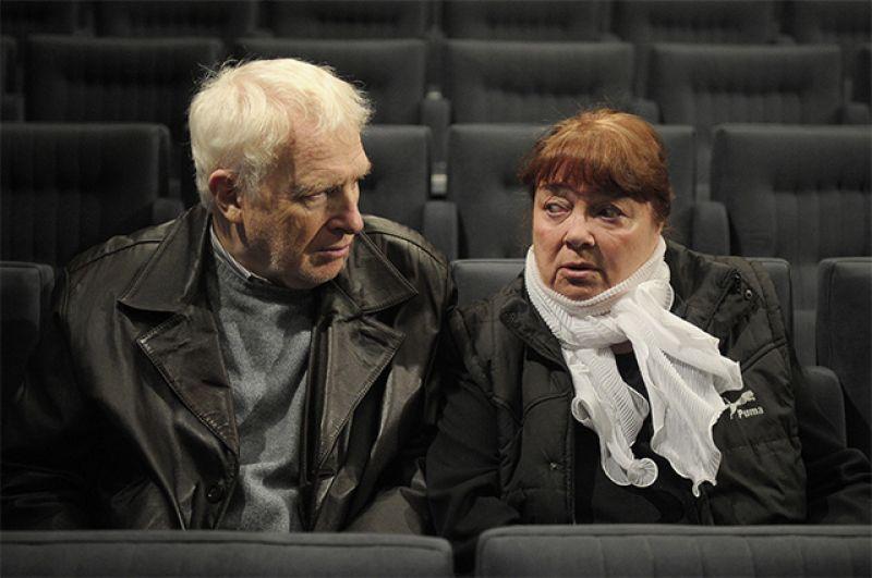 Виктор Тульчинский и Нина Дорошина во время сбора труппы Московского театра
