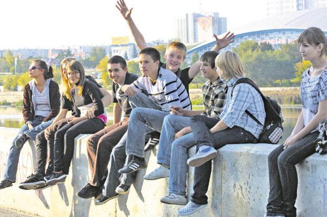 Почти две тысячи школьников будут работать летом.