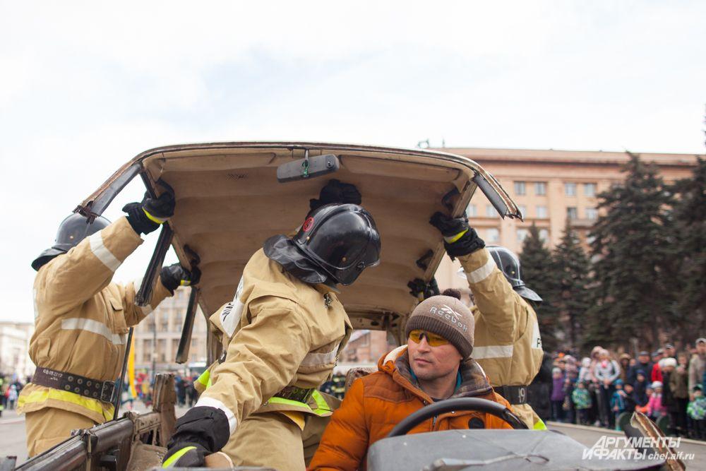 Теперь спасатели могут добраться до пострадавшего