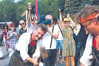 Десять лет назад в Ульяновске проводили фестиваль «На семи ве- трах», на который созывали всех ремесленников