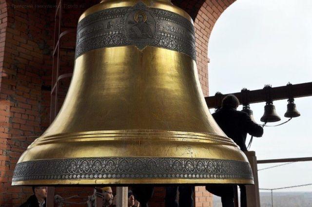 В Соборе Преображения Господня находится 13 колоколов весом от 8 килограмм до 6 тонн.