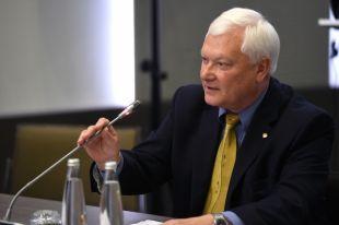 МИД: РФ не будет давать США односторонние гарантии невмешательства в выборы