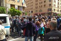 В Армении уже больше 10 дней продолжается уличное противостояние власти и оппозиции.