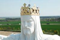В Польше огромная статуя Иисуса Христа «раздает» интернет