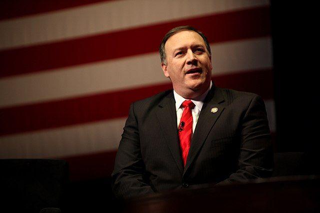 Трамп посоветовал сенаторам поддержать Помпео напост госсекретаря