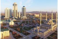 В Грозный едут посмотреть, в первую очередь, на самую  большую мечеть в Европе «Сердце Чечни» и комплекс высоток на берегу Сунжи «Грозный-сити».