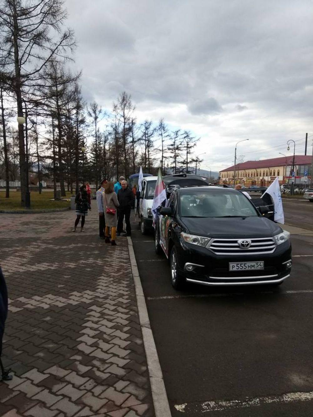 Старт автопробега от Мемориала Победы в Красноярске.