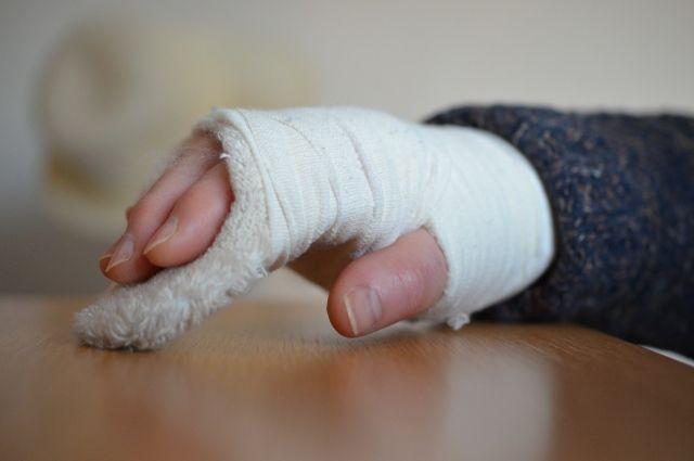 В Тюмени иномарка сбила девочку на велосипеде: у школьницы перелом руки