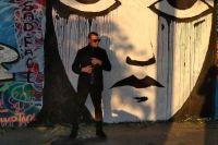"""Теперь и Берлине есть """"грустное лицо"""" пермского художника."""
