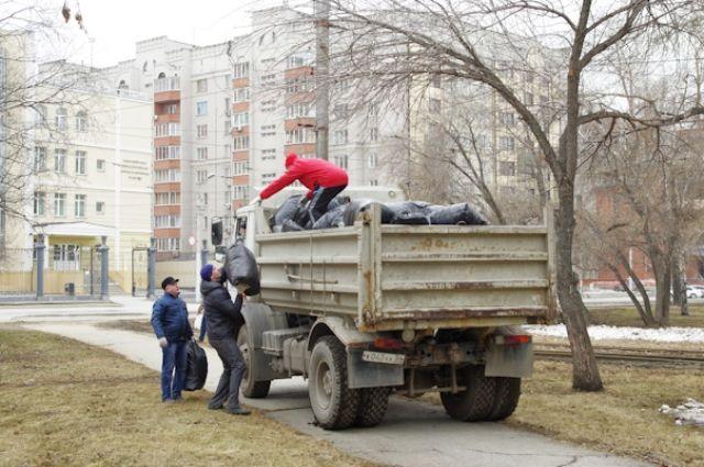Во время субботника города вывезли 7 тыс. тонн мусора