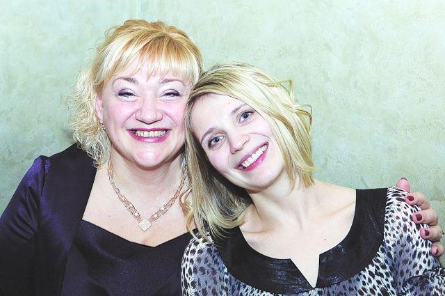 Мама и дочка Лебедевы - красавицы и успешные профессионалы.