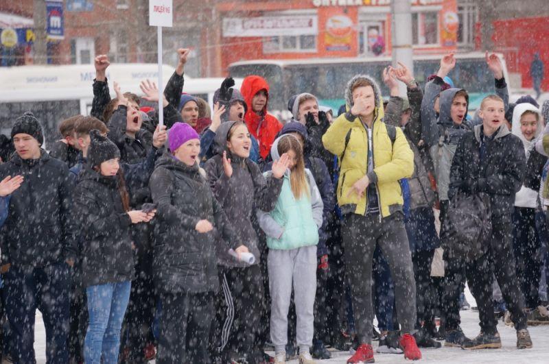 Школьников не напугала плохая погода.