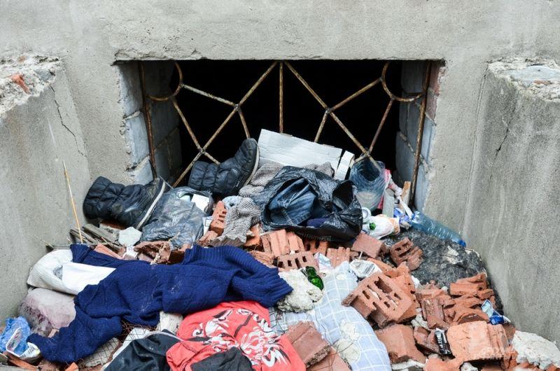 Артемовцы всегда найдут место для мусора. В прошлом году власти установили в городе контейнерные площадки - жить стало легче.