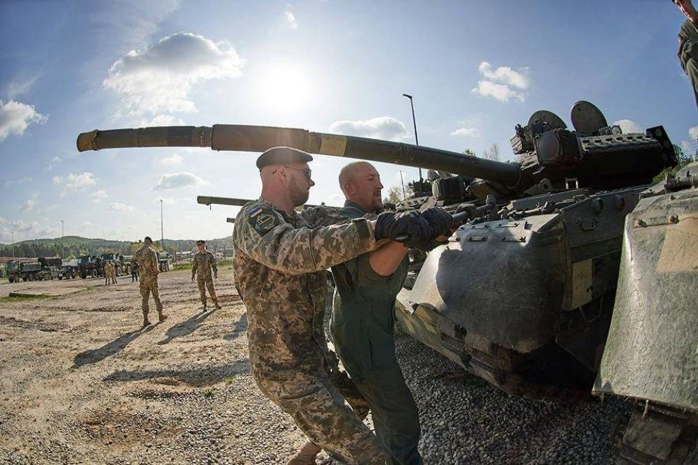 Украинские солдаты будут проходить обучение совместно с военными из 13 стран-членов НАТО и партнеров.