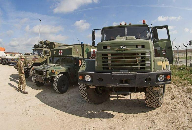 Учения проходят на полигоне вблизи города Хохенфельс в Германии, украинская военная техника прибыла на полигон еще 24 апреля.