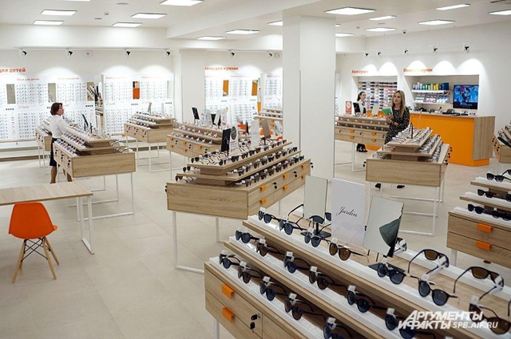 Общая площадь магазина - более 800 кв. м.