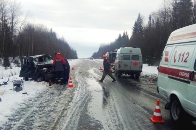 Водитель «Шевроле Нива» не справился с управлением и выехал на полосу встречного движения.