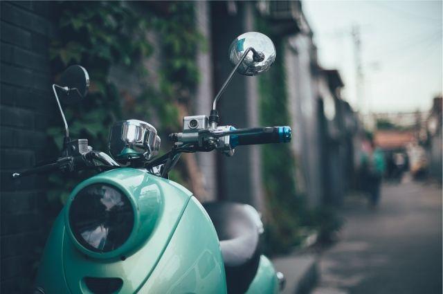 15-летний скутерист попал в больницу после ДТП с «Рено» во Взморье.