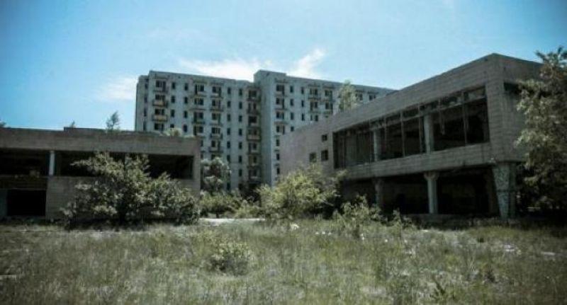 Орбита - должен был стать наравне с Припятью и Кузнецовском городом-спутником АЭС. Однако, к Чернобылю это не имеет никакого отношения - в 1992 году должны были сдать Чигиринскую АЭС. Однако, катастрофа в Чернобыле и развал СССР привел к тому, что строительство так и не начали, а город постепенно опустел. Сейчас в городе живет 120 человек и квартиры здесь продают буквально за бесценок.