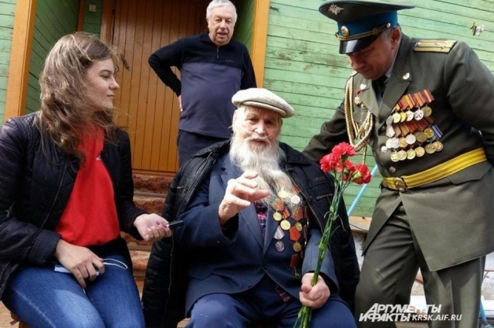 В гостях у ветерана Великой Отечественной войны павла Федоровича Подскрёбышева.