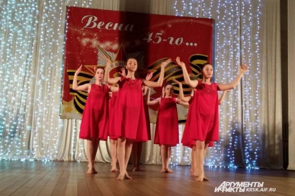 Танцевальный коллектив ДК пос. Чунояр.