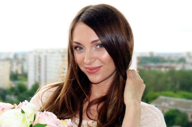 Наталья многодетная мама, воспитывает четырёх малышей и учит моделингу пермских девчонок.