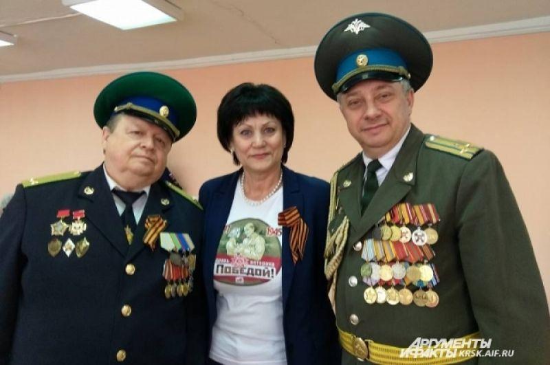 Представитель краевого совета ветеранов Н. Силин, главный редактор