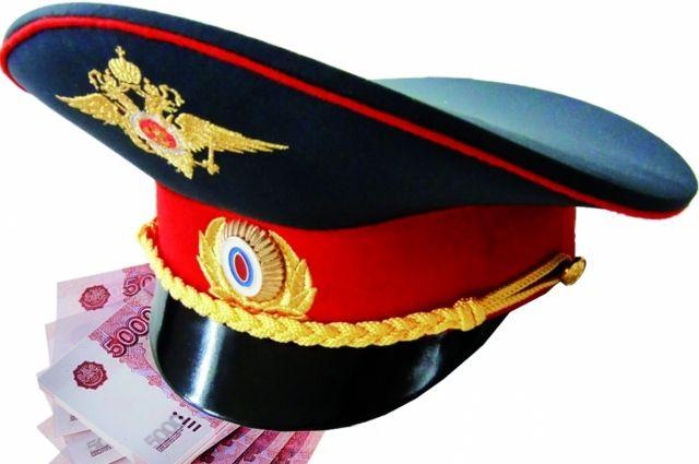Приговором суда полицейскому назначено наказание в виде штрафа в размере 40 тысяч рублей.