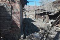 В Оренбурге рухнул расселенный дом на улице Корецкой.