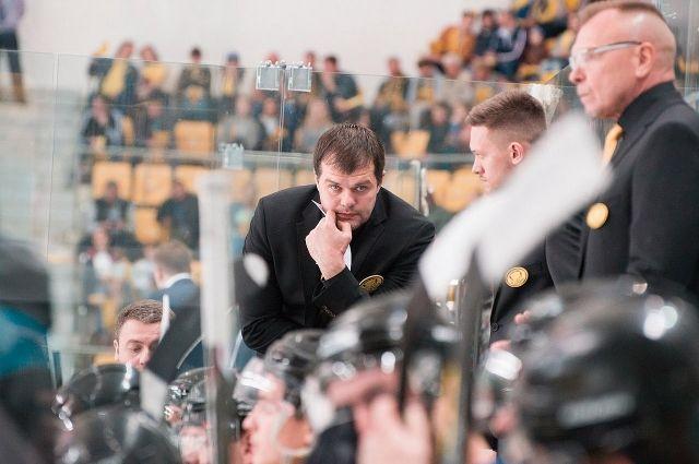 В прошлом сезоне «Сарыарка» под руководством Крамаренко успешно выступила в регулярном чемпионате ВХЛ, но вылетела уже в первом раунде плей-офф.