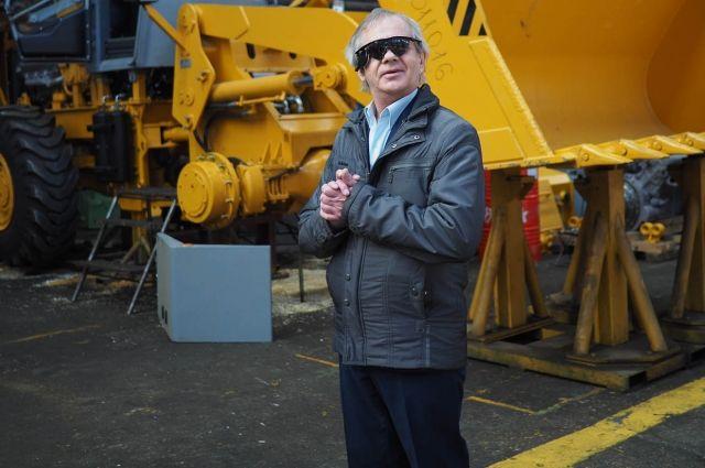 После успешной операции Григорий Александрович обрел бионическое зрение в 2017 году.