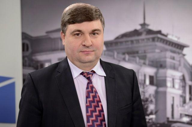 Владимир Стрельцов официально уходит в отставку.