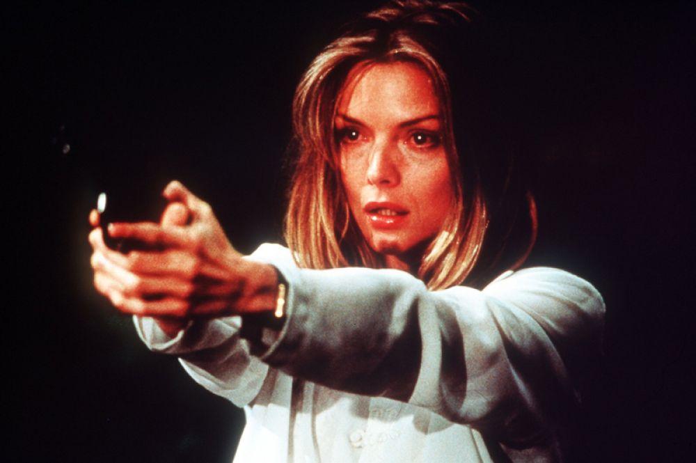 В фильме ужасов «Волк» (1994) Майка Николса ей досталась роль Лоры, дочери Рэймонда Элдена.
