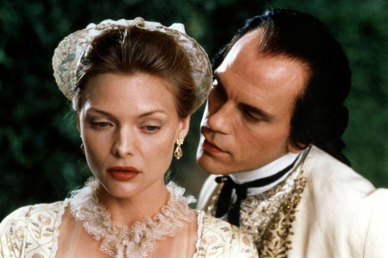 Пфайффер номинировалась на «Оскар» и удостоилась премии BAFTA за лучшую женскую роль второго плана в фильме 1988 года «Опасные связи».