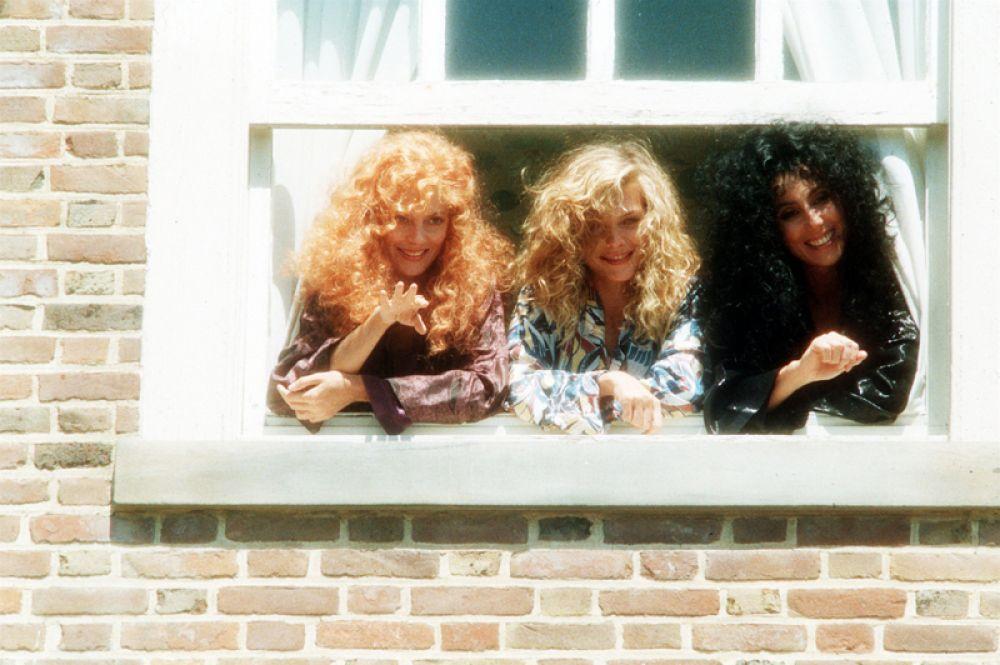 Период конца 80-х – начала 90-х годов оказался наиболее удачным для Мишель: в этот период вышло множество фильмов с ее участием, в которых кинокритики высоко оценивали ее актерскую игру. «Иствикские ведьмы» (1987) — Сьюки Риджмонт.