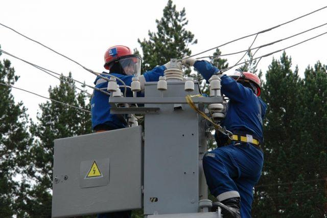 Энергетики приносят извинения за отключения электроэнергии
