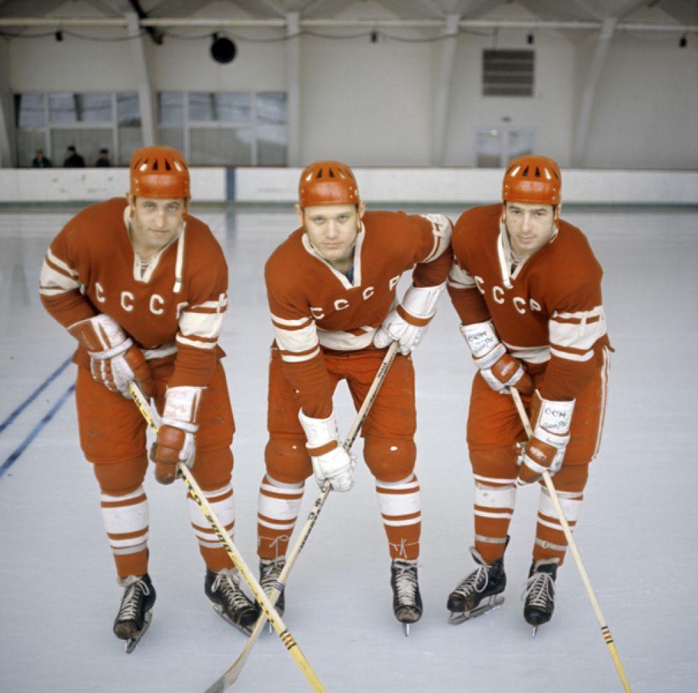 Знаменитая «тройка»: двукратные олимпийские чемпионы, многократные чемпионы мира Борис Михайлов, Владимир Петров и Валерий Харламов.