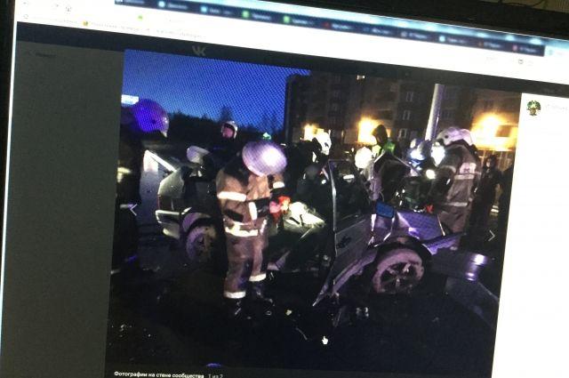 Водитель отечественной легковушки погиб на месте.