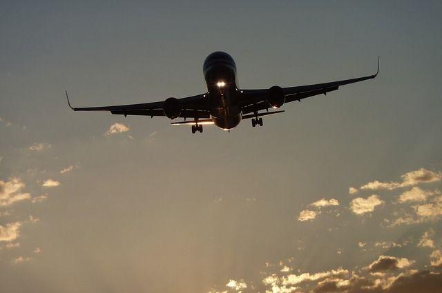 Тюменец опубликовал в Интернете фото сидений самолета, перемотанных скотчем
