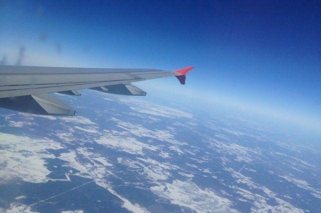 ВМинводах самолет совершил экстренную посадку из-за курильщика