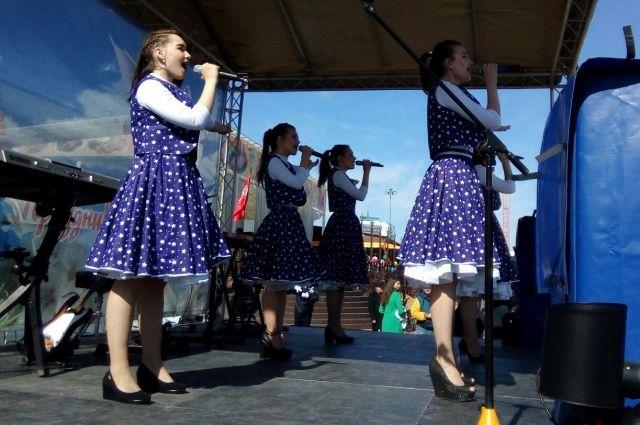 Первомайскую демонстрацию посетили около 4 тысяч тюменцев: начался концерт