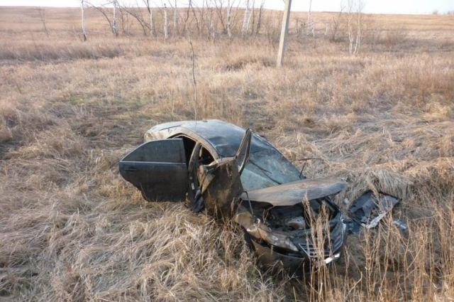 В Сорочинском округе в ДТП погиб водитель Toyota Camry, пострадали еще трое.