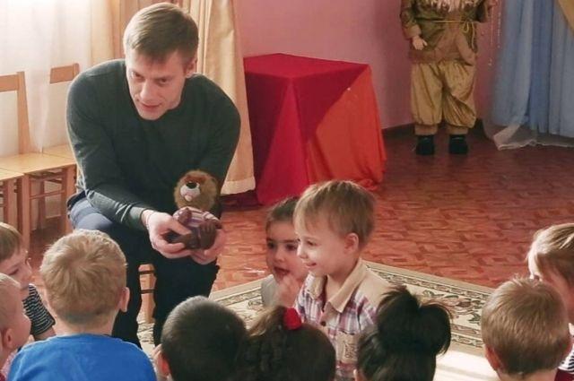 Евгений Командин с юных лет мечтал стать учителем и психологом. Мечты сбылись.