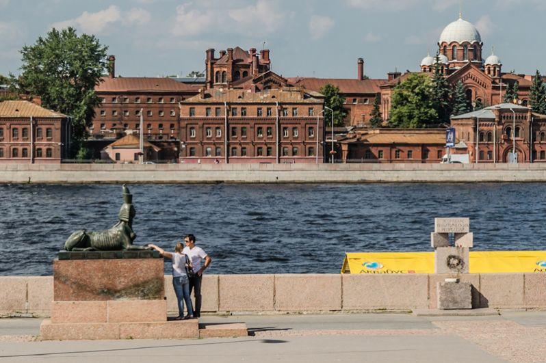 Мемориал «Жертвам политических репрессий» в Санкт-Петербурге. «Место напротив известной тюрьмы
