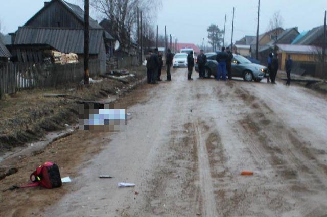 Девочка погибла на месте, а водитель с места аварии скрылся.