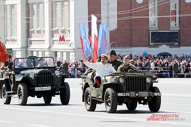 Новосибирск готовится отпраздновать День Победы.