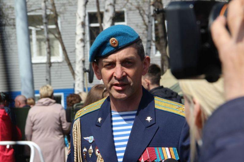 Комментарий прессе и ТВ дает командир 31-й гвардейской ОДШБ гвардии полковник Андрей Стэсев.